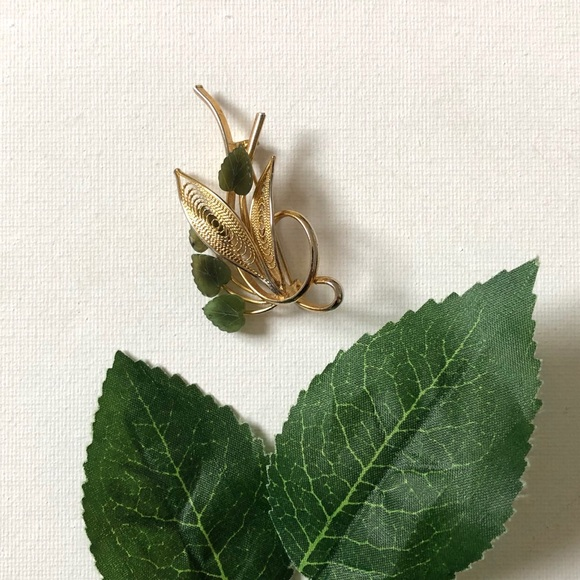 Jewelry - Vintage Gold-tone Pin with Jade Leaves